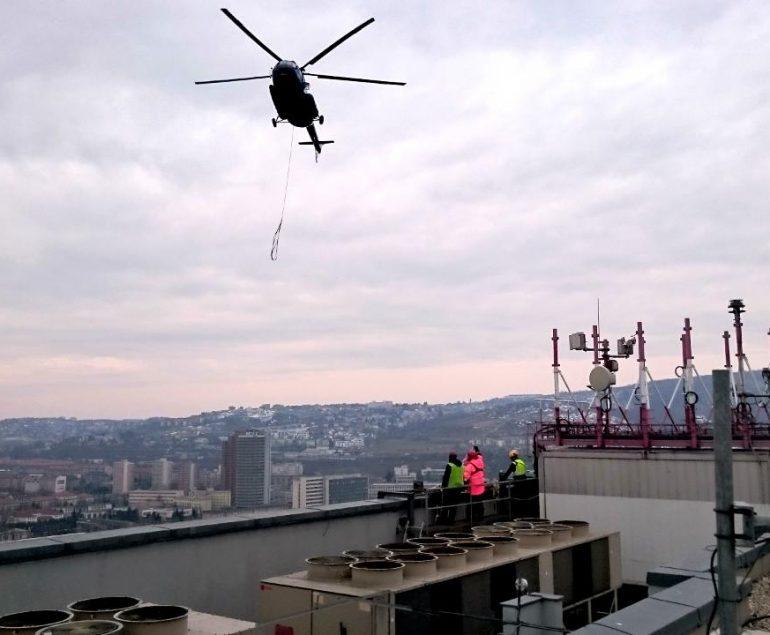 Výškové práce s pomocou helikoptéry